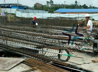 安顺到六盘水沿线铁路项目安装现场